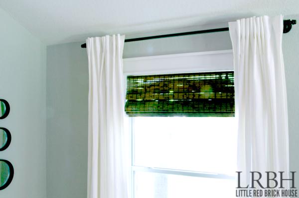 Galvanized Pipe Curtain Rod feature 4 WM