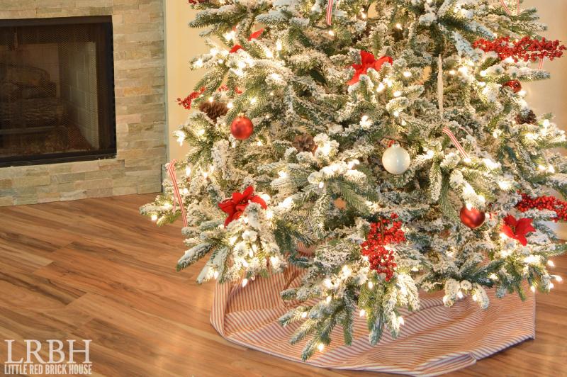 My Home Style Blog Hop: Christmas Tree Edition